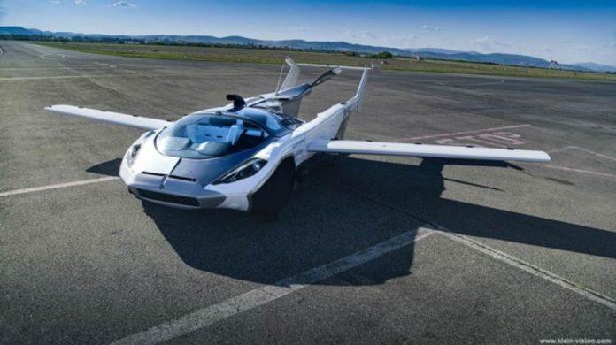 auto volante primo volo