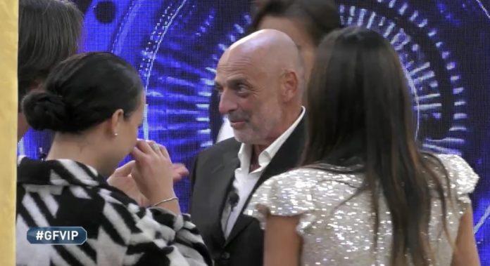 Paolo Brosio nella casa del GF Vip