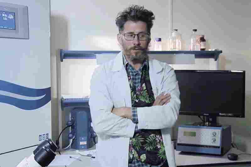ricercatore vaccino russia muore in circostanze tragiche