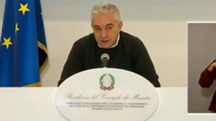 arcuri in conferenza stampa