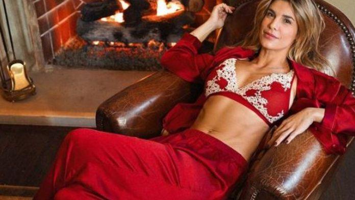 elisabetta canalis in lingerie natalizia