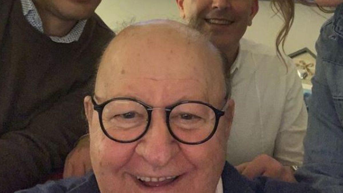 Gli auguri di buon anno di Massimo Boldi con la compagna Irene Fornaciari: