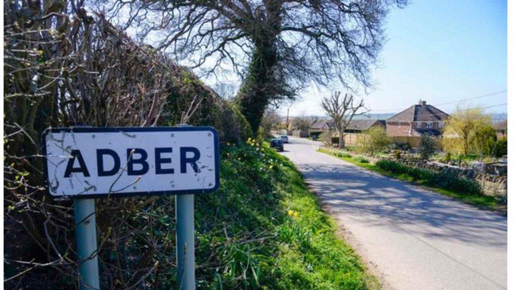 La cittadina di Adber