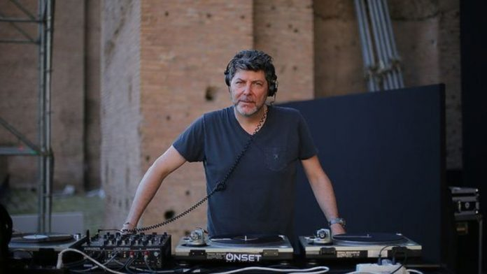 Claudio Coccoluto in console