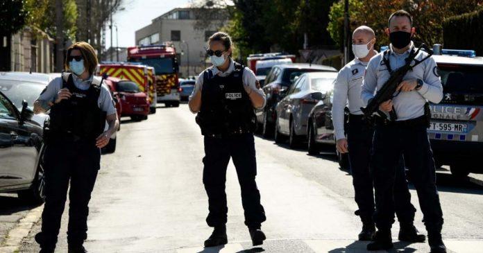 poliziotta accoltellata francia