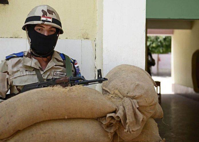 militare egiziano
