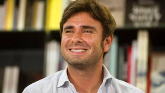 Un sorridente Di Battista