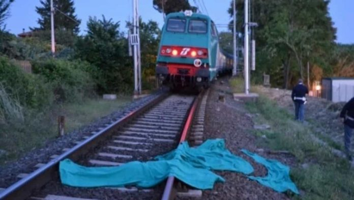 Suicida sotto un treno