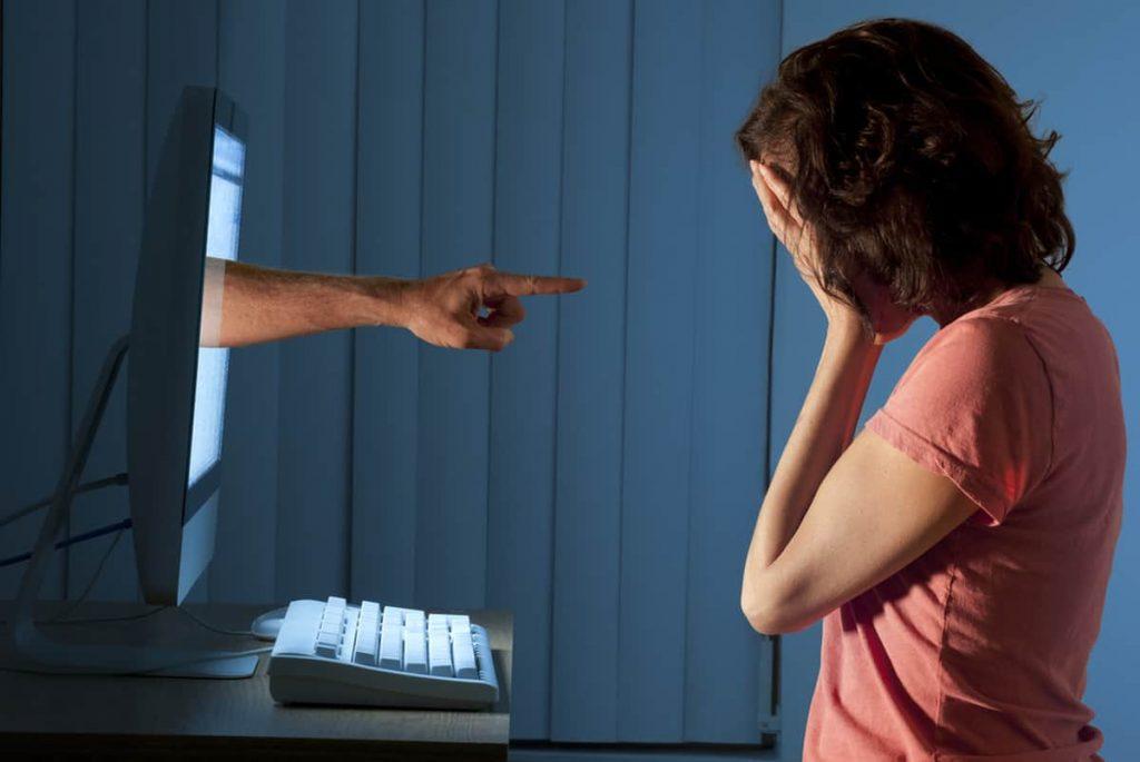 diffamazione online docenti