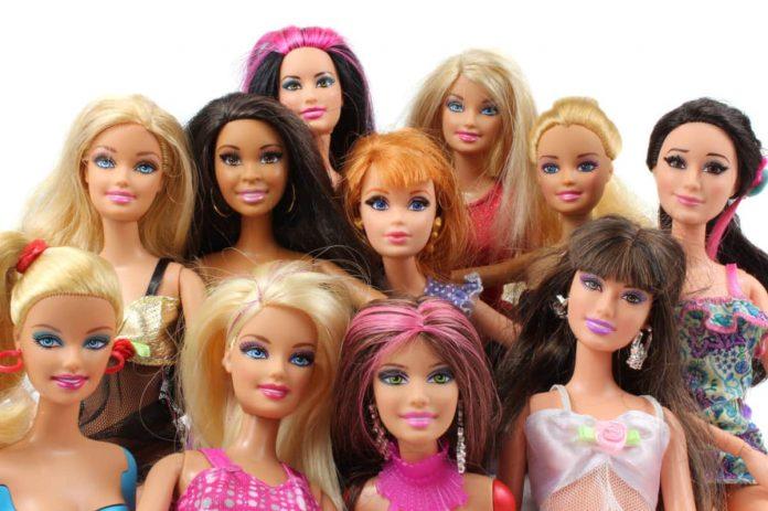 provano a diventare barbie umane