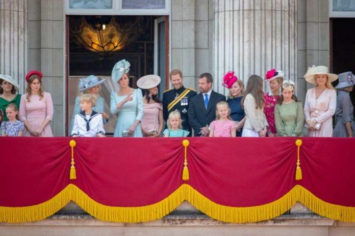 famiglia reale stipendio