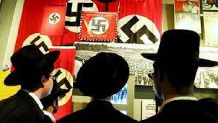 shoah - bandiere naziste