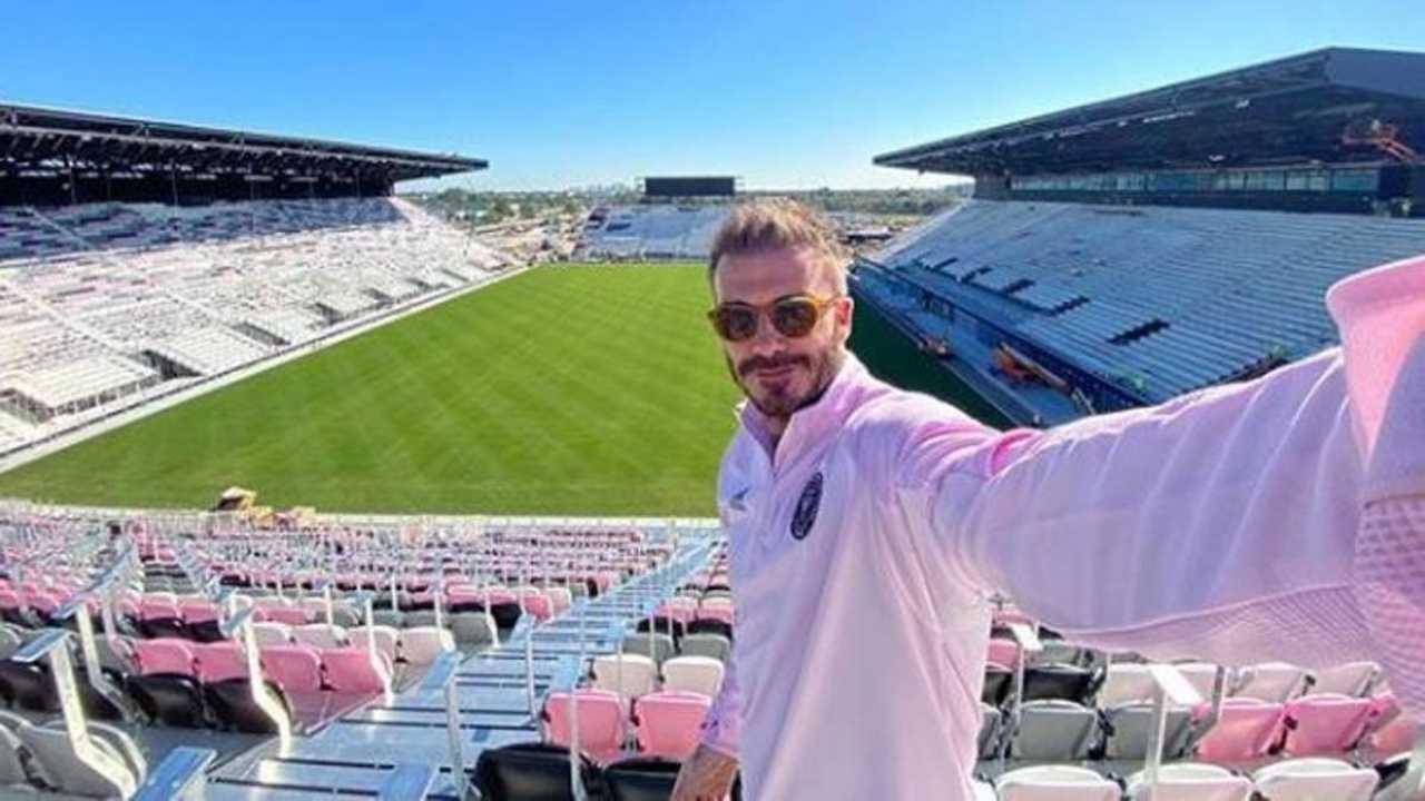 """David Beckham travolto dalle critiche: """"Hai venduto l'anima"""". Di cosa lo accusano?"""